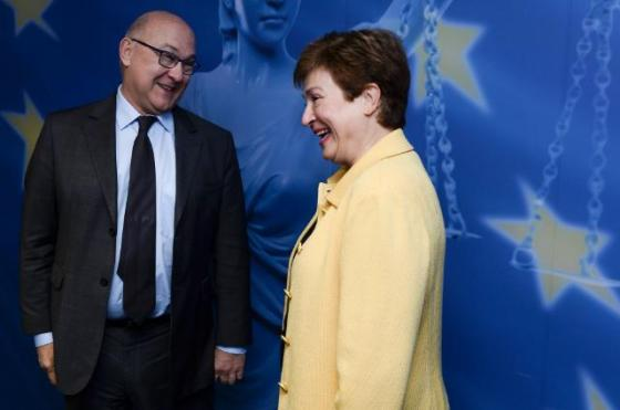 "Mr Sapin seems to be asking Mrs Georgieva here for a ""discount"" on France's contribution to the EU budget, given the severe economic problems in Hexagone. From left to right, Michel Sapin, French Minister for Finance, and Kristalina Georgieva, Commissioner for Budget and Human Resources. (EC Audiovisual Services, 06/11/2014)"