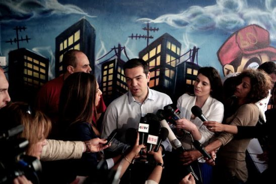 Alexis Tsipras talking to members of the Press. (European Parliament Audiovisual Services).