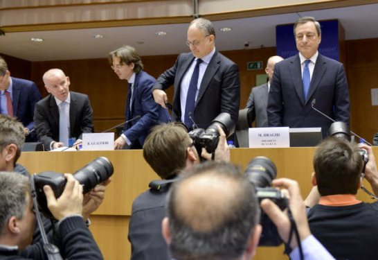 European Parliament. Economic and Monetary Affairs Committee meeting (ECON) 23/3/2015. Monetary Dialogue with President of the ECB Mario Draghi (first from right). In the Chair of the ECON Committee, Roberto Gualtieri (second from right). (European Parliament Audiovisual Services, 23/3/2015, Brussels Belgium, © European Union 2015 - Source EP).