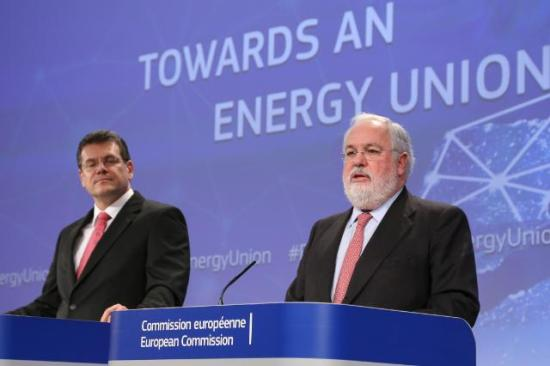 Joint press conference last February by Maroš Šefčovič, Vice-President of the EC, and Miguel Arias Cañete, Member of the EC, on the strategy of the EC to achieve a resilient Energy Union with a forward-looking climate change policy (EC Audiovisual Services, 25/02/2015)