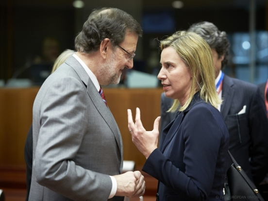 From left to right: Mr Mariano RAJOY BREY, Spanish Prime Minister; Ms. Federica MOGHERINI, High Representative of the EU for Foreign Affairs and Security Policy. European Council for migration in the Mediterranean (Council TVNewsroom, 23/04/2015)