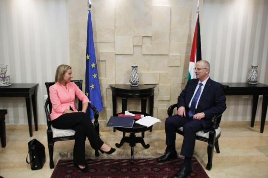 Visit by Federica Mogherini, High Representative of the Union for Foreign Affairs and Security Policy and Vice-President of the European Commission to the Middle East. Yesterday Mogherini met with Rami Hamdallah, Palestinian Prime Minister (on the right). (EC Audiovisual Services, 20/05/2015 Location: Ramallah - Residence of the Prime Minister).