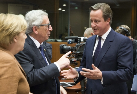 Juncker points the finger to Cameron during the EU Heads of State or Government on 23 September 2015 in Brussels discussing how to deal with the refugee crisis and its root causes. From left to right, Angela Merkel, Chancellor of Germany, Jean-Claude Juncker, President of the European Commission and David Cameron, UK Prime Minister (European Council TVNewsroom, 23/09/2015)