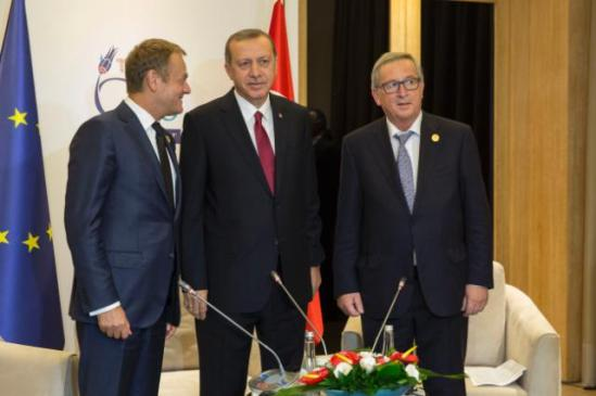G20 meeting in Antalya, Turkey. Donald Tusk, President of the European Council, Recep Tayyip Erdoğan, President of Turkey, and Jean-Claude Juncker President of the European Commission (from left to right). (Date: 14/11/2015 Location: Antalya, Turkey, © European Union, 2015, EC - Audiovisual Service / Photo: Johanna Leguerre).