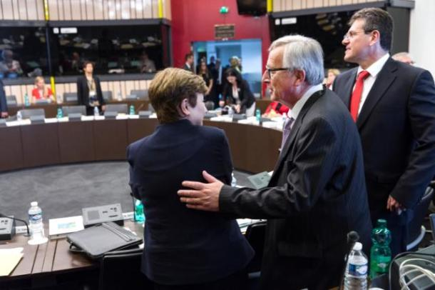 Jean-Claude Juncker, President of the European Commission, and several members of the EC College participated in the European Parliament plenary session and the weekly Commission meeting, which was held on 05/07/2016. From the left to the right: Kristalina Georgieva, Commissioner for Budget and Human Resources, Jean-Claude Juncker and Maros Sefcovic, Vice-President of Commission, in charge of Energy Union. Date: 05/07/2016. Location: Strasbourg – European Parliamnet.© European Union, 2016 / Photo: Jean-François Badias.