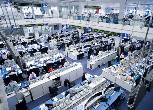 Deutsche Bank. Overview of the trading floor in Frankfurt am Main, Germany. (Deutsche Bank audiovisual Services).