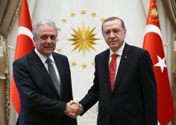 Handshake between Recep Tayyip Erdoğan, on the right, and Dimitris Avramopoulos Location: Ankara – Turkey. Date: 04/04/2016. Source: EC - Audiovisual Service. © European Union, 2016. Photo: Adem Altan