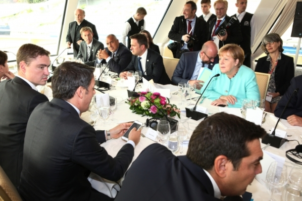 informal-meeting-of-27-heads-of-state-and-government-in-bratislava-roundtable-on-the-danube