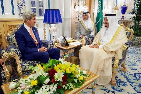 US State Department Secretary John Kerry meets with King Salman bin Abdulaziz Al Saud of Saudi Arabia. State Dept Image / Aug 25, 2016. (US Government work).