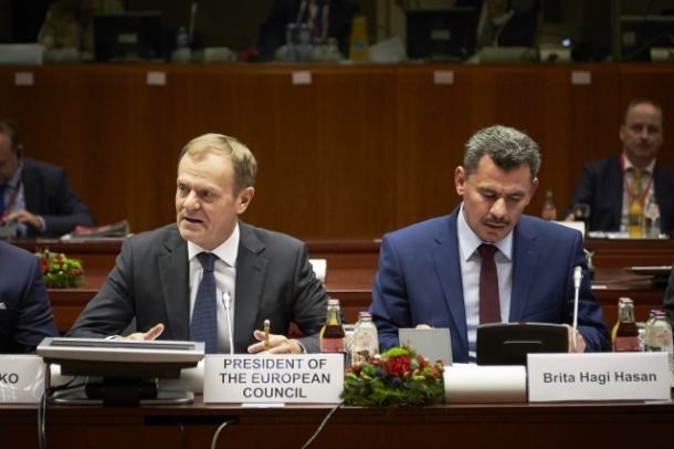 European Council, Brussels 15/12/2016. From left to right: Donald Tusk, President of the European Council, Brita Haj Hassan, Mayor of East Aleppo. Understandably, after the fall or the liberation of East Aleppo, Hassan is a mayor without a city. Shoot location: Bruxelles – Belgium. Shoot date: 15/12/2016. Copyright: European Union.