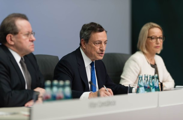 Vítor Constâncio, Vice-President of the ECB, Mario Draghi President of ECB and Christine Graeff, Director General Communications (from left to right). Draghi explained the Governing Council's latest monetary policy decisions and answered questions from journalists at a press conference on 8 December 2016 in Frankfurt am Main. (ECB Audiovisual Services).