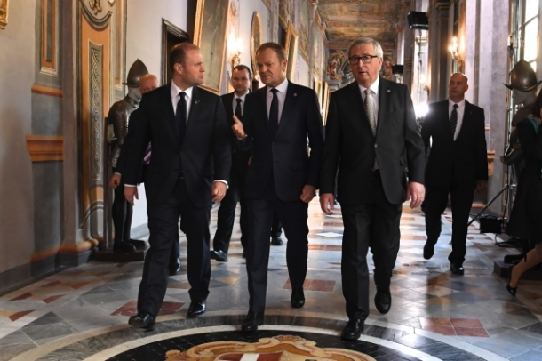 The European Union heads of state or government met for an informal summit in Valletta, Malta on 3 February 2017. At the morning session, the 28 EU leaders focused on migration issues. During the afternoon session the 27 leaders, after the British PM Theresa May left, prepared the upcoming 60th anniversary of the Rome Treaties. From left to right: Joseph Muscat, Maltese Prime Minister, Donald Tusk, President of the European Council, Jean-Claude Juncker, President of the European Commission. Shoot location: Valletta – Malta. Shoot date: 03/02/2017. Copyright: European Union.