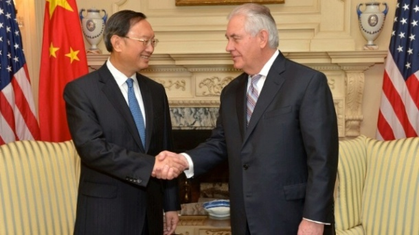 Last Tuesday in Washington United States Secretary of State Rex Tillerson (on the right) met with Chinese State Councilor Yang Jiechi, the top diplomat of his country. (Date: 28/2/2017. State Dept Image).