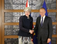 From left to right: Ms Theresa MAY, UK Prime Minister; Mr Donald TUSK, President of the European Council. Shoot location: Bruxelles - BELGIUM. Shoot date: 04/12/2017. Copyright: European Union.