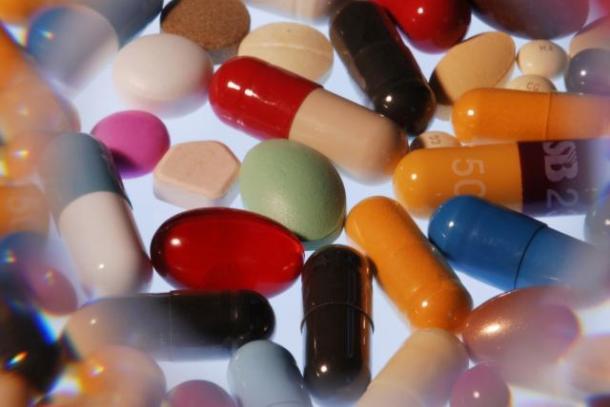 Médicaments sous forme de comprimés, cachets, capsules et pilules