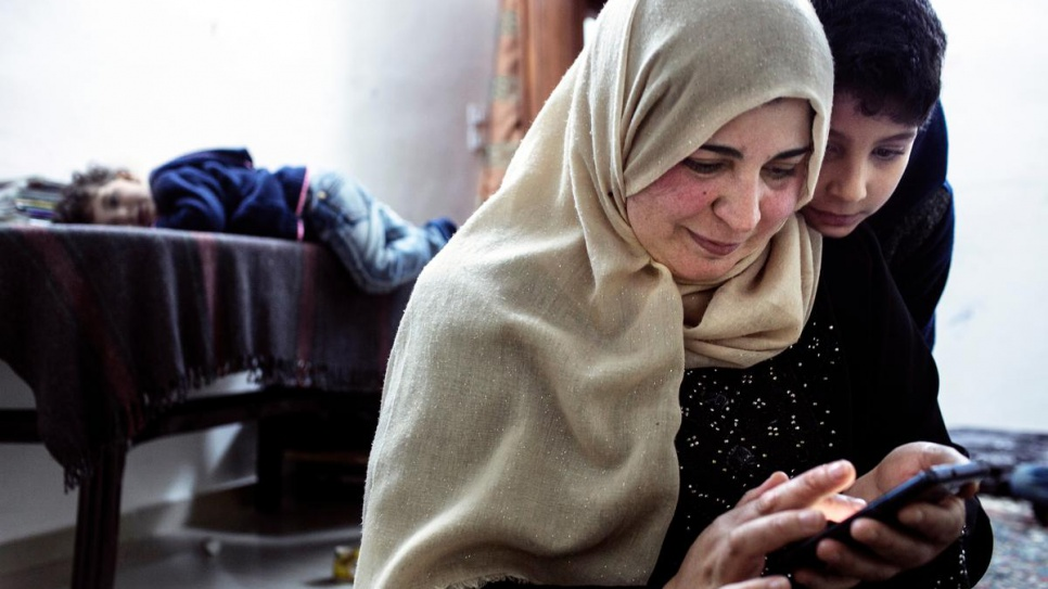 Smartphone refugees 2018
