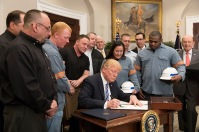 Trump-steel-workers