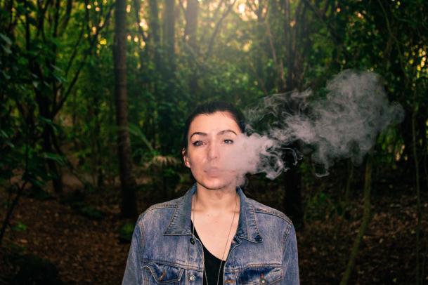 smoking vaping.png