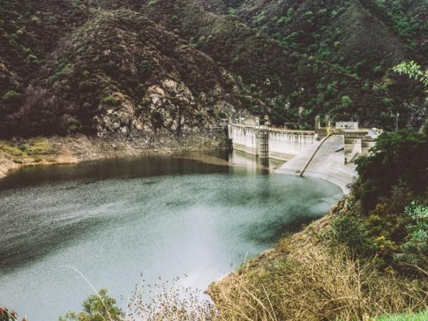 water dam.jpg