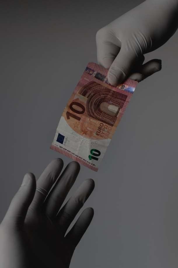 Banknote covid-19