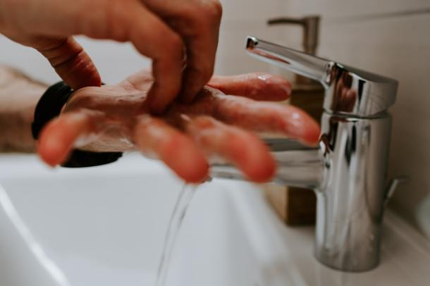 washing hands_