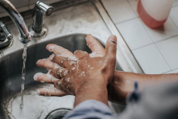 wash hands_